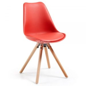 Lars polypropylene chair with solid beech legs